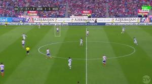 El Atleti corrigió a partir del minuto 25 la posición de Griezmann en fase defensiva. 4-1-4-1 con Tiago de pivote, Griezmann en banda y Koke interior junto a Mario Suárez.
