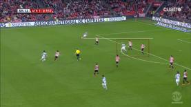 Acción del gol (II).